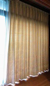 目で楽しむ縁側カーテンの取り付け